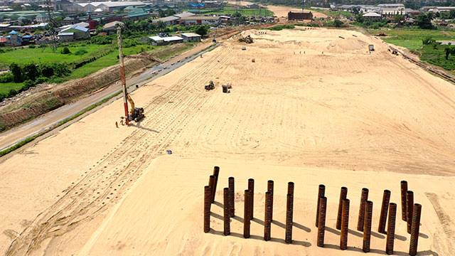 East Approach – Axis 330 – Driven Piles and Installation of Vertical Drains