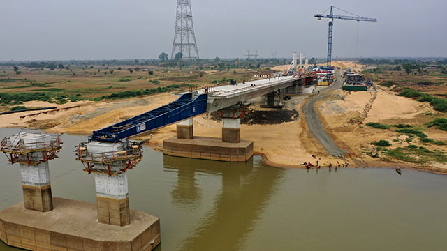 Niger Bridge Western Approach – Incremental launching of segments 1 – 6 (north) completed