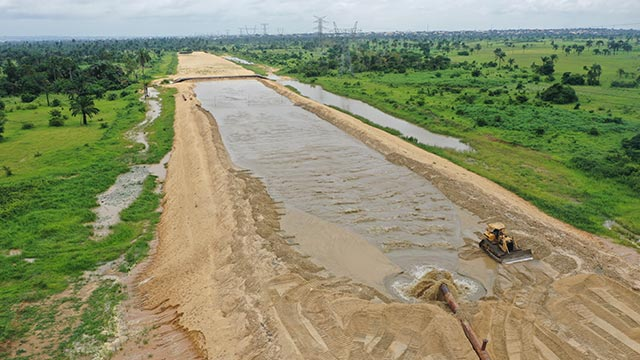 Asaba Site – Dredging into alignment CH24+200 to 23+700
