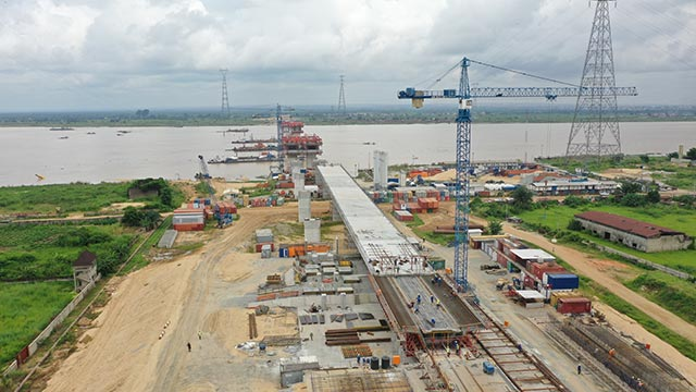 Niger Bridge Eastern Approach – Deck slab for segment 8 (North) on-going