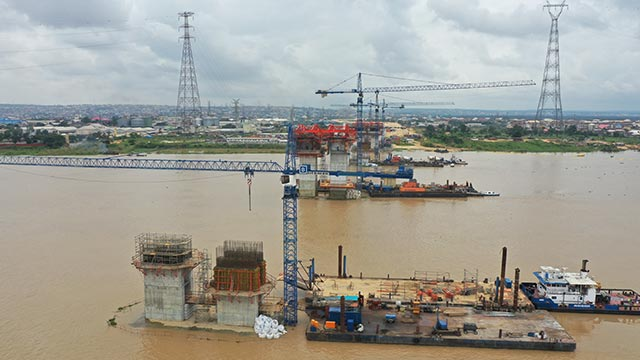 Niger Bridge – Columns at axis 250 on-going