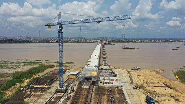 Niger Bridge Western Approach - Incremental launching of segment 17 (North) on-going